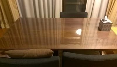 ダイニングテーブルの透明マット