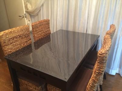 絵画教室のテーブル保護マット