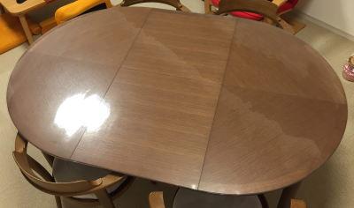 カンディハウスのエクステンションテーブルに透明マット