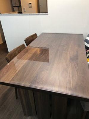 ダイニングテーブルを新しく購入すぐに保護マットを購入した6軒の家庭