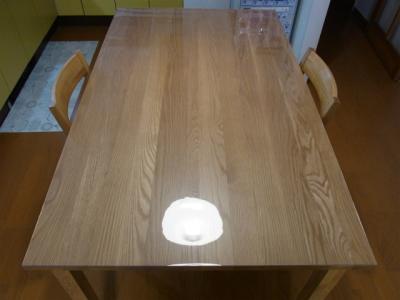 無印良品オーク材140cmテーブルにマット