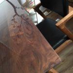 富士ファニチャーのテーブルにマット