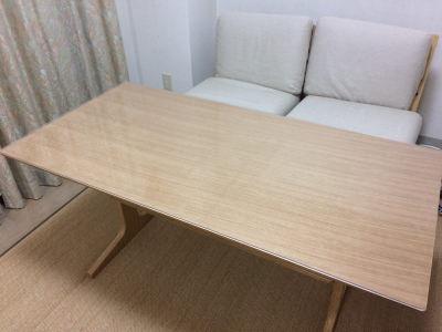 リビングでもダイニングでもつかえるテーブル(無印良品)