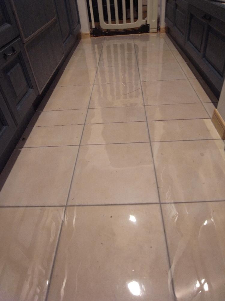キッチンの床用に透明マット