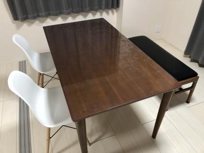 カリモク60の150×80テーブルに透明マット