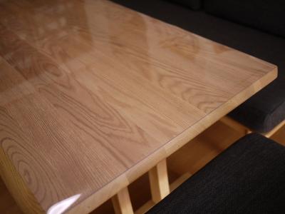 ニトリのテーブルに透明マット