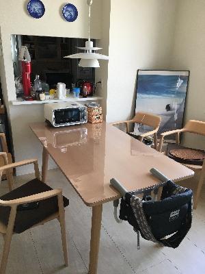 マルニのテーブルに透明マットをオーダー