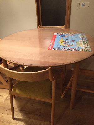 宮崎製作所の円形テーブル(ユニバース)