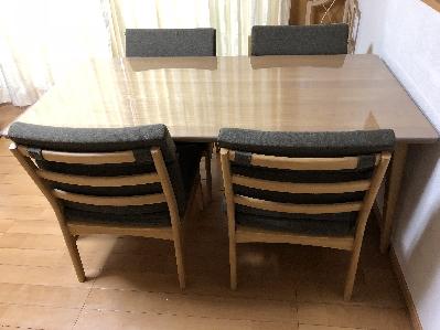 ベルメゾン・ダイニングテーブル