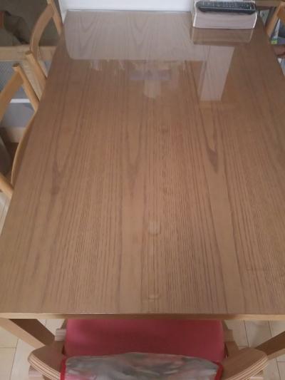 カッシーナのテーブルに透明マット