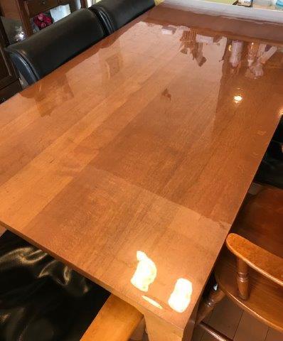 テーブルのアルコール消毒