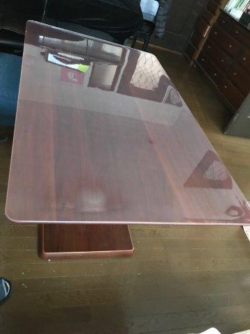 コロナ対策で透明テーブルマット