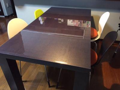 テーブルのベタベタを解消する